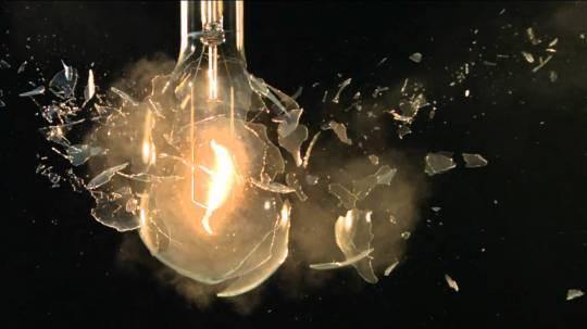 01 Light Bulb